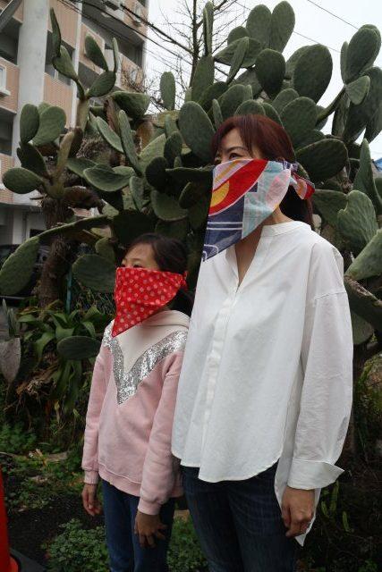 バンダナ マスク 巻き 方